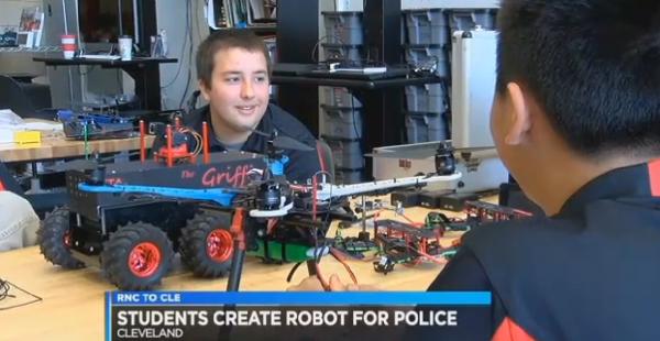 任劳任怨的好帮手 盘点10款功能各异的警用机器人