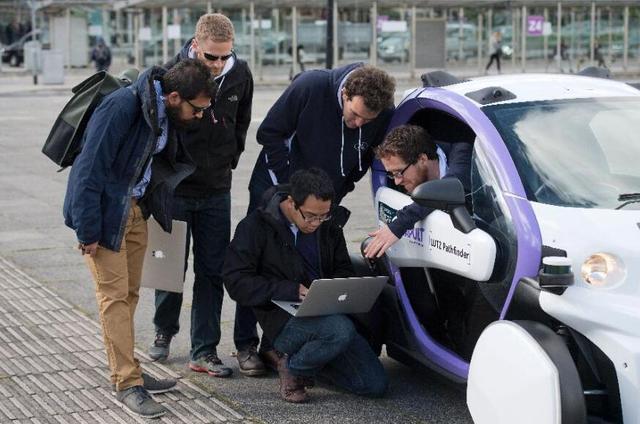 福布斯:别听厂商忽悠 全自动驾驶汽车真正上路至少要等20年