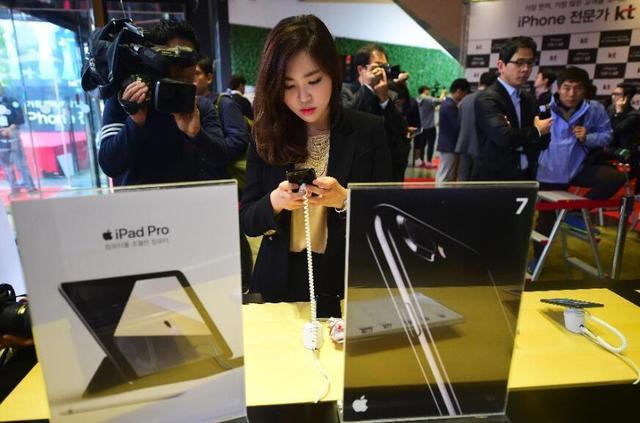 为什么三星不愿见到iPhone失败:因为卖屏幕比卖手机赚钱
