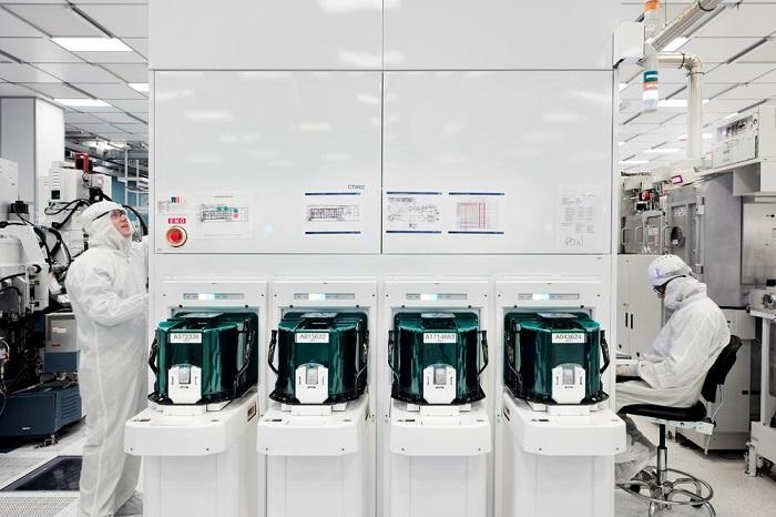 IBM试产5nm芯片:指甲盖大小可容纳300亿晶体管
