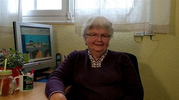 87岁老奶奶用微软自带画图软件绘画 惊艳了世人