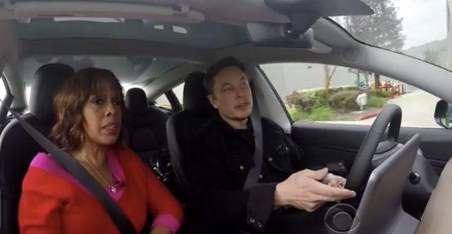 马斯克:自动驾驶永远不会完美 但比人类驾驶安全10倍