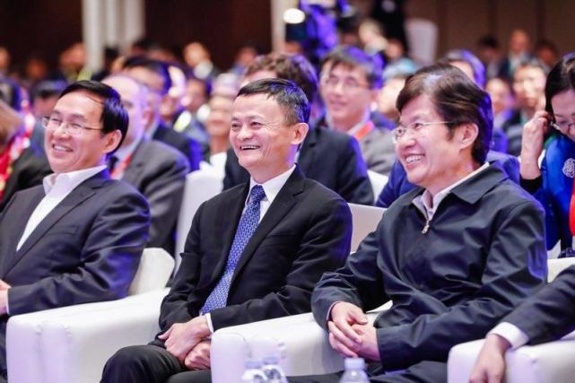 马云:企业家要以家国利益、未来利益、社会利益为重