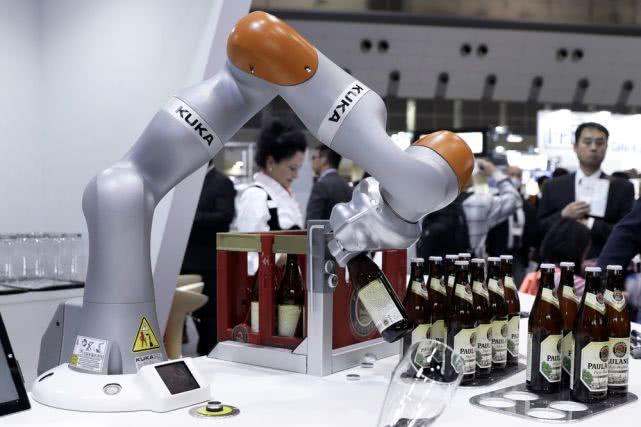 世界银行:机器人还没有谋杀我们的工作
